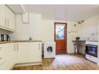 Large Basement 1 Bed Flat - Sleeps 4 - £275 per week