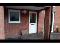 3 bedroom flat in East Street, Crediton, EX17 (3 bed)