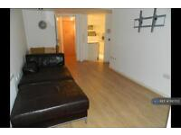 2 bedroom flat in Royal Quay, Liverpool, L3 (2 bed)