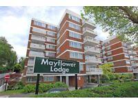 3 bedroom flat in Mayflower Lodge, Regents Park Road, N3