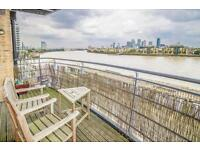 3 bedroom flat in Stretton Mansions, Glaisher Street, Greenwich