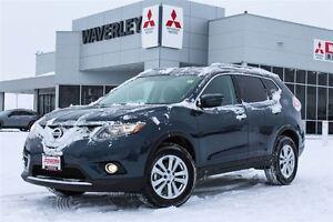 2016 Nissan Rogue SV |Panoramic Sunroof |AWD| Backup Camera |USB
