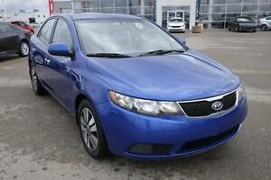 2013 Kia Forte 2.0L EX PST paid! Sunroof, Many powered option...
