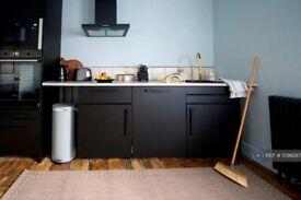 1 bedroom flat in Prince Street, Hull, HU1 (1 bed) (#1099267)