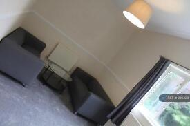 2 bedroom flat in Old Warwick Road, Solihull, B92 (2 bed)
