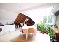 *5 bedroom split level flat in Hampstead, close to transport with an amazing roof terrace!!£1000pw!*