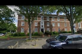 3 bedroom flat in Montrose Court, London, NW11 (3 bed) (#1160954)