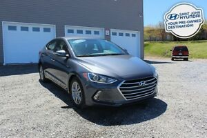 2017 Hyundai Elantra GL! HEATED SEATS! BACK UP CAM! LIKE NEW!
