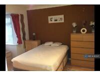 1 bedroom in Morley Road, Sutton, SM3 (1 bed)