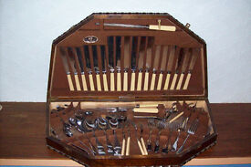 Oak canteen of cutlery - complete set for 6 table settings