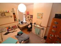 1 bedroom in Dogfield Street, Cathays, Cardiff