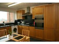 To Let, 3 Bedroom Maisonette in Connah's Quay