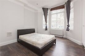 MODERN AND CLEAN 3 DOUBLE BED 2 BATH PROPERTY WITH GARDEN AND SEPARATE KITCHEN! £2100 PCM