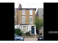 2 bedroom flat in Wilberforce Road, London, N4 (2 bed)