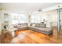2 bedroom flat in Northburgh Street, Old Street