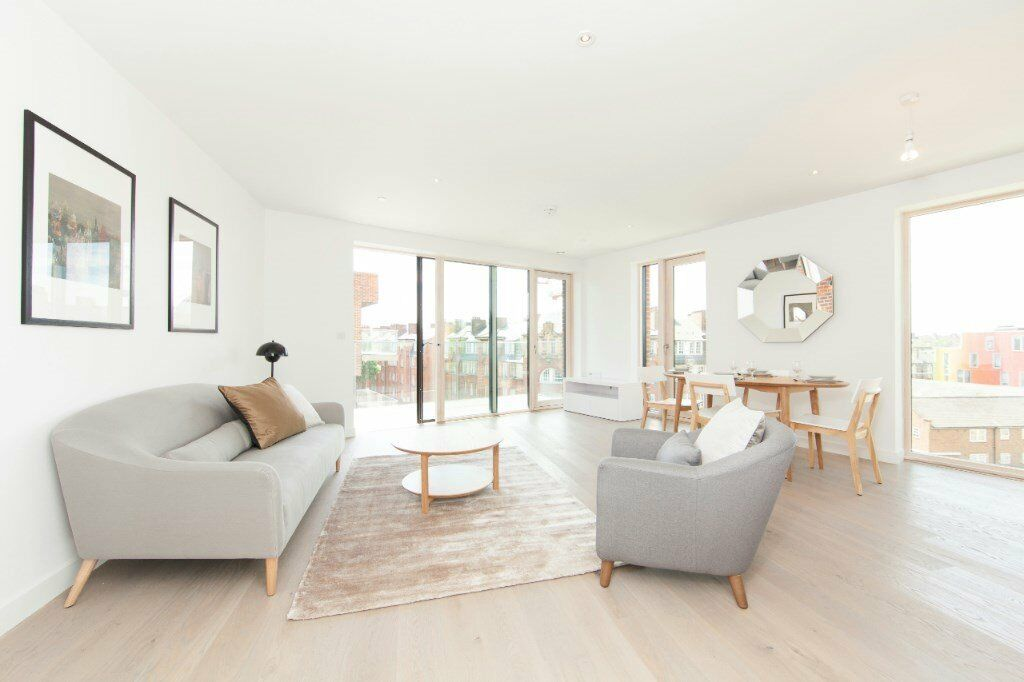 LUXURY DESIGNER FURNISHED 2 BEDROOM 2 BATH APARTMENT ELEPHANT & CASTLE SE17 LONDON BRIDGE VAUXHALL
