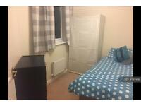 1 bedroom in Persimmon Gardens, Cheltenham, GL51