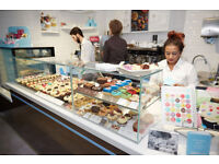 (SELFRIDGES) LOLA'S CUPCAKES - (full time/fully flexible) - Join our team for a great career !