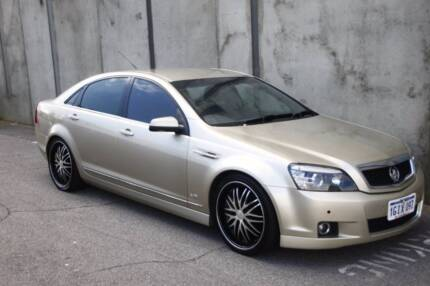 2007 Holden Caprice, Gold, lowered