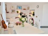 2 bedroom flat in Coldharbour Lane, London, SE5 (2 bed) (#1100973)