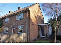 2 double bedroom First Floor Flat for sale in Poole with 2 gardens, private entrance in cul-de-sac