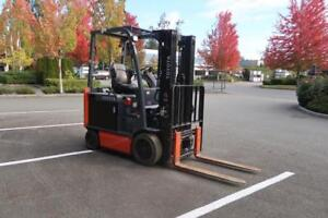TOYOTA 8FBCU25 Electric Forklift