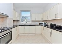 Split-Level 3 Bed Apartment on Prestigious Road - Moments from Clapham Junction.