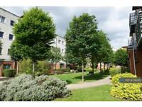 2 bedroom flat in Cannock Court, London, E17 (2 bed)