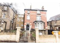 We are happy to offer this beautiful and bright double bedsit apartment in Carleton Road, Camden, N7