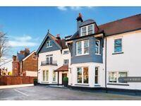 2 bedroom flat in Creffield Lodge, London, W5 (2 bed) (#958535)