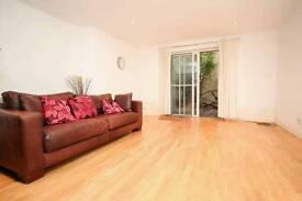 Large spacious 2 bedroom fat split over two floors in Stoke Newington N16