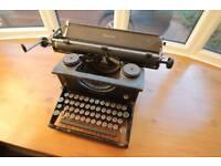 Vintage Imperial Typewriter C.1940's