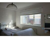 1 bedroom in Royal Oak Court, London, N1 (#1020608)