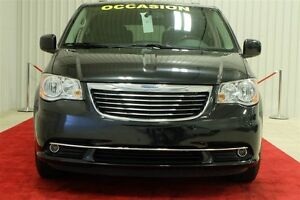 2015 Chrysler Town & Country Touring-L DVD