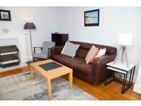 Short Term Let - Beautiful two bedroom apartment with parking and balcony in Merchiston (413)