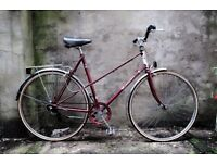 RALEIGH ROMA, vintage ladies dutch style mixte frame road bike, 22.5 inch large size, 5 speed