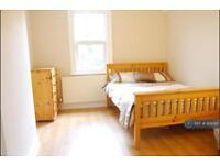 2 bedroom flat in Ealing, London, W5 (2 bed)