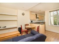 DUPLEX 3BED APARTMENT WITH LOVELY OPEN PLAN KITCHEN - LIVING * ALL DOUBLE BEDROOMS * 5MINS TO UNI