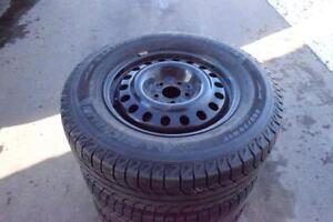 Nissan Pathfinder 2013+ 245/70/17 Michelin Snows On Rims 90% Tread
