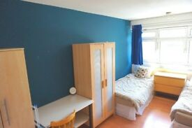 Stunning Twin room is available now. Only 2 weeks deposit. NO agency fee!