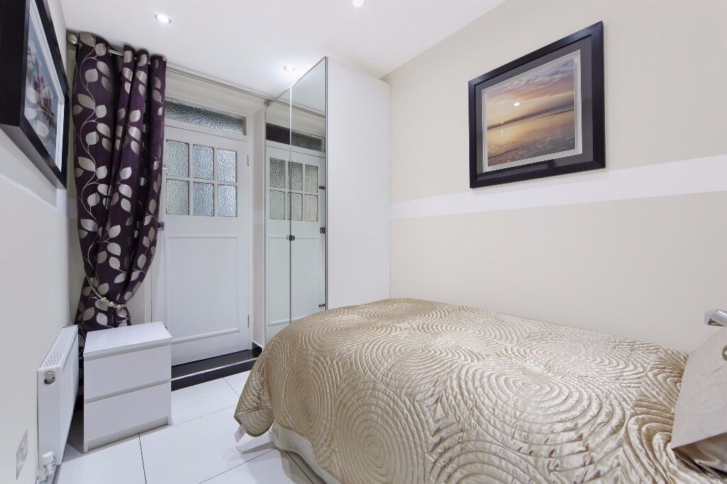 TWO BEDROOM FLAT TOP LUXURY IN MARBLE ARCH 1 MINUTE WALK TO THE STATION