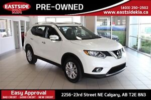2016 Nissan Rogue SV AWD ROOF AND NAV