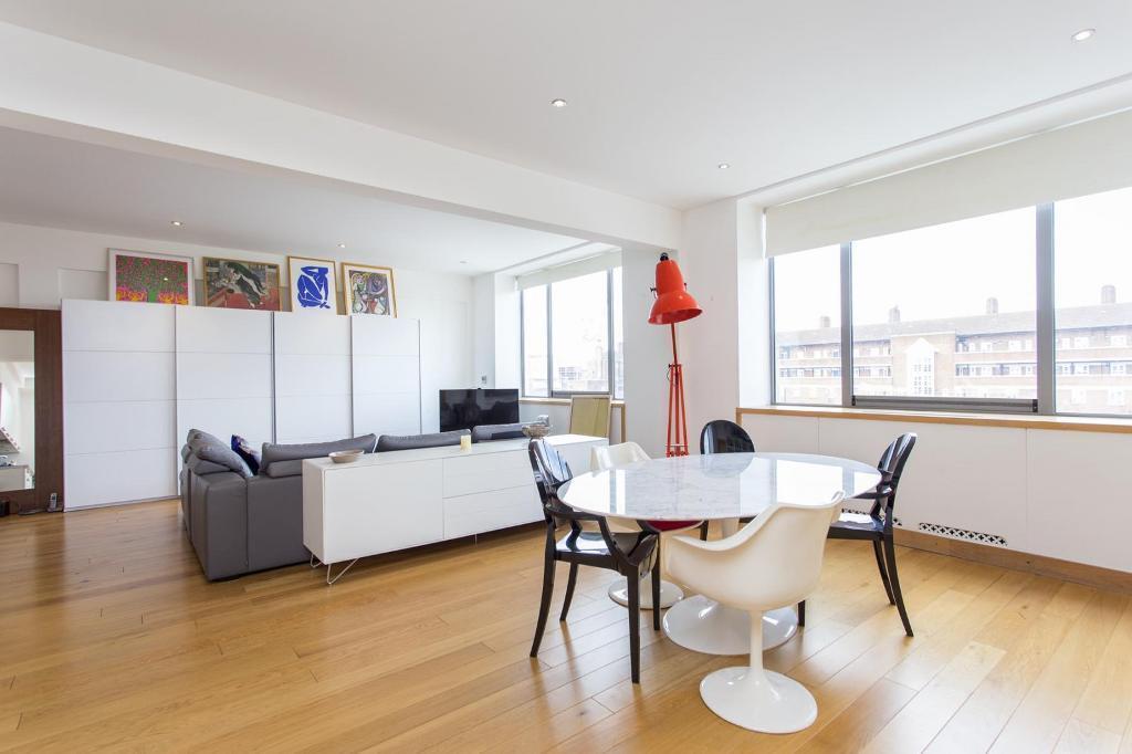 2 bedroom flat in Kentish Town Road, Camden NW1