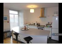 3 bedroom house in Longford Road, Manchester, M21 (3 bed)