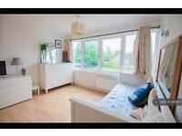 3 bedroom house in Rawnsley Avenue, Surrey, CR4 (3 bed)