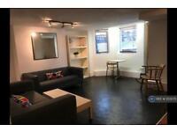 1 bedroom flat in Northolme Road, London, N5 (1 bed)