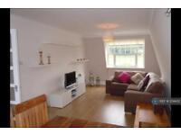 3 bedroom flat in Lower Road, Harrow On The Hill, HA2 (3 bed)