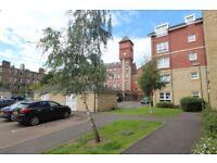 Recently refurbished 2 bedroom flat near Meadowbank - new combi boiler system