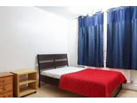 For rent double room in Dagenham Heathway close to train station
