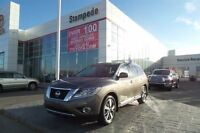 2013 Nissan Pathfinder Platinum w/Navigation and bluetooth!!!